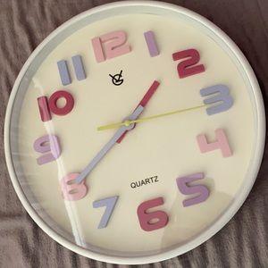 Beautiful clock barely used